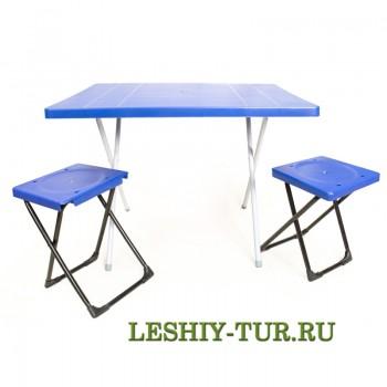 Набор мебели (стол и два табурета)